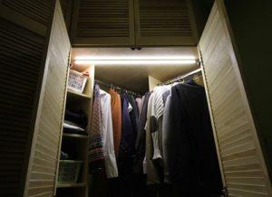 Как сделать подсветку в шкафу