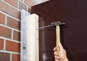 Как что-то повесить на кирпичную стену