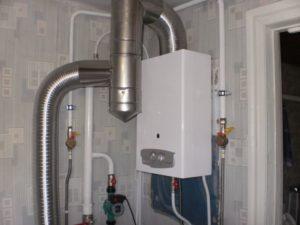 Замена старой газовой колонки в квартире