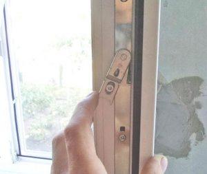 Не закрывается пластиковое окно